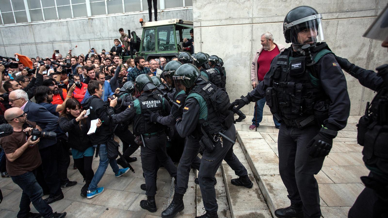 Imatge d'arxiu de la càrrega policial a Sant Julià de Ramis