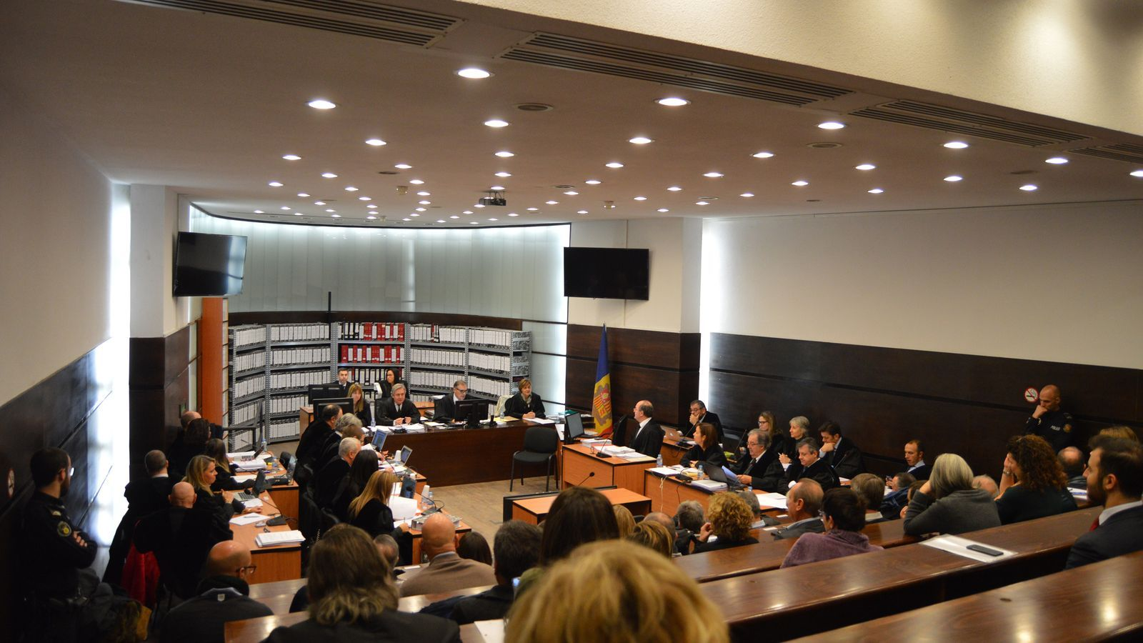 Una imatge de la sala on se celebra, des d'aquest dilluns, el judici pel 'cas Gao Ping'. / M. F. (ANA)