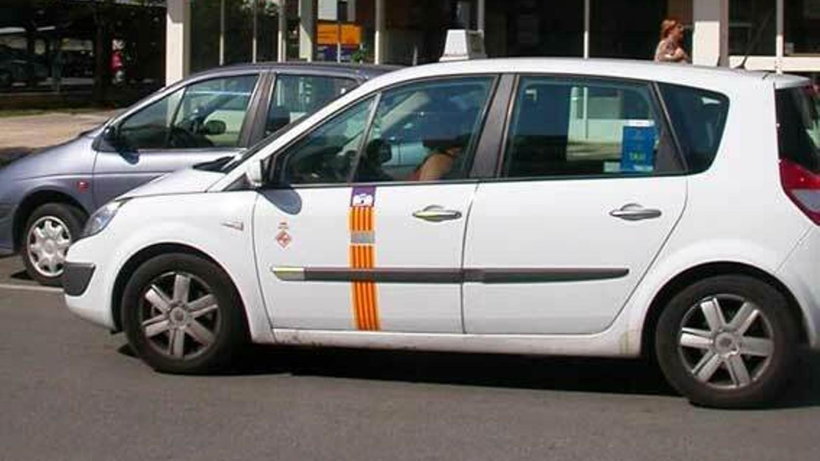 Un taxista atropella voluntàriament a la seva parella a Menorca