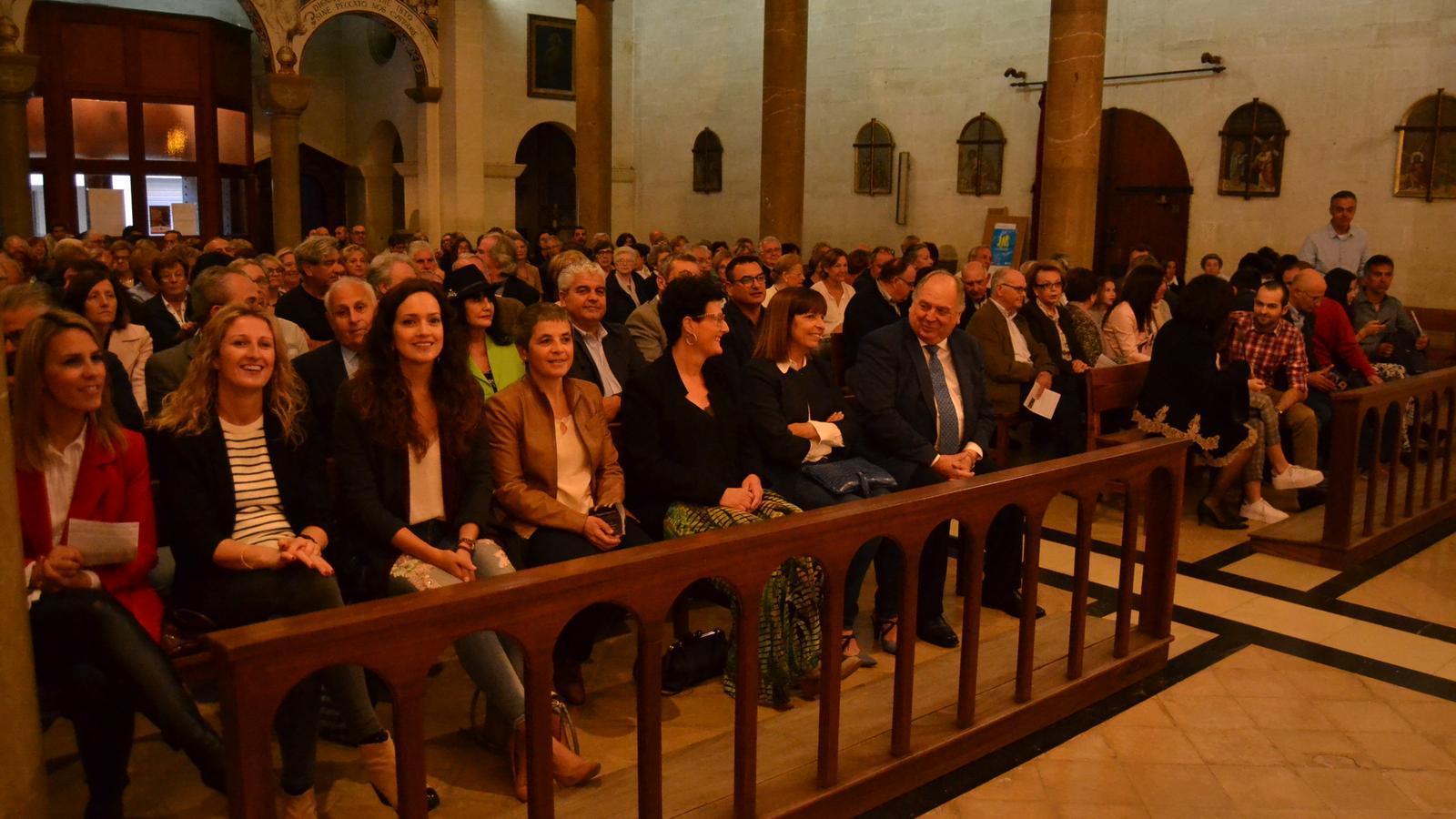 L'església de Crist Rei es va omplir de gent per presenciar l'entrega de l'A d'Or.