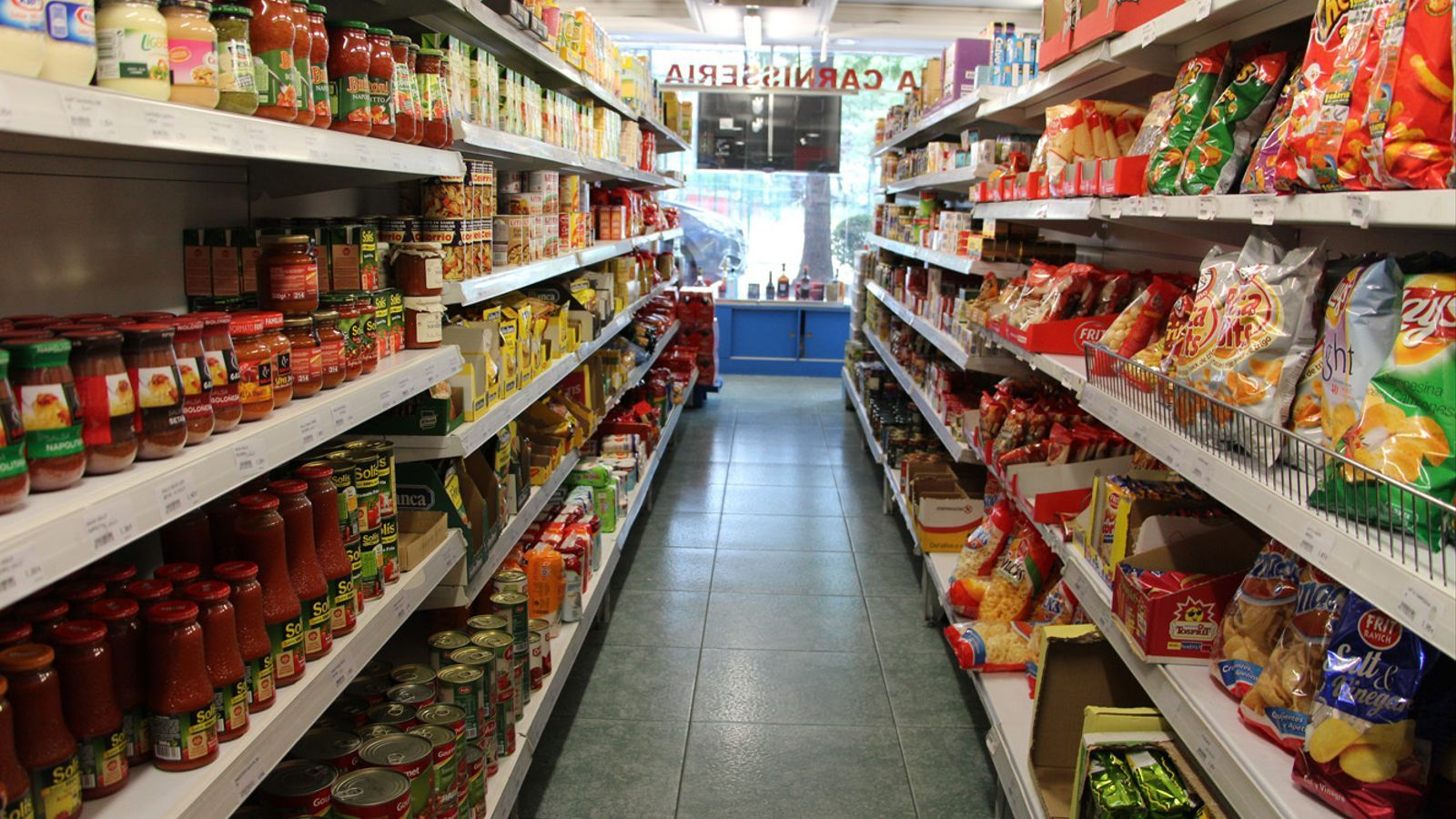 Un passadís d'un supermercat. / ARXIU ANA