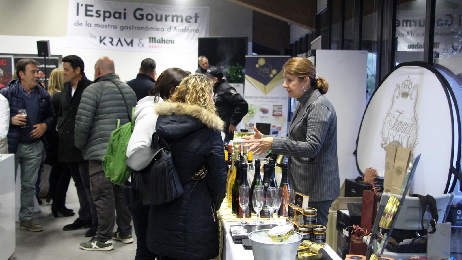Inauguració de l'Espai Gourmet a la sala la Buna aquest divendres. / T. N. (ANA)