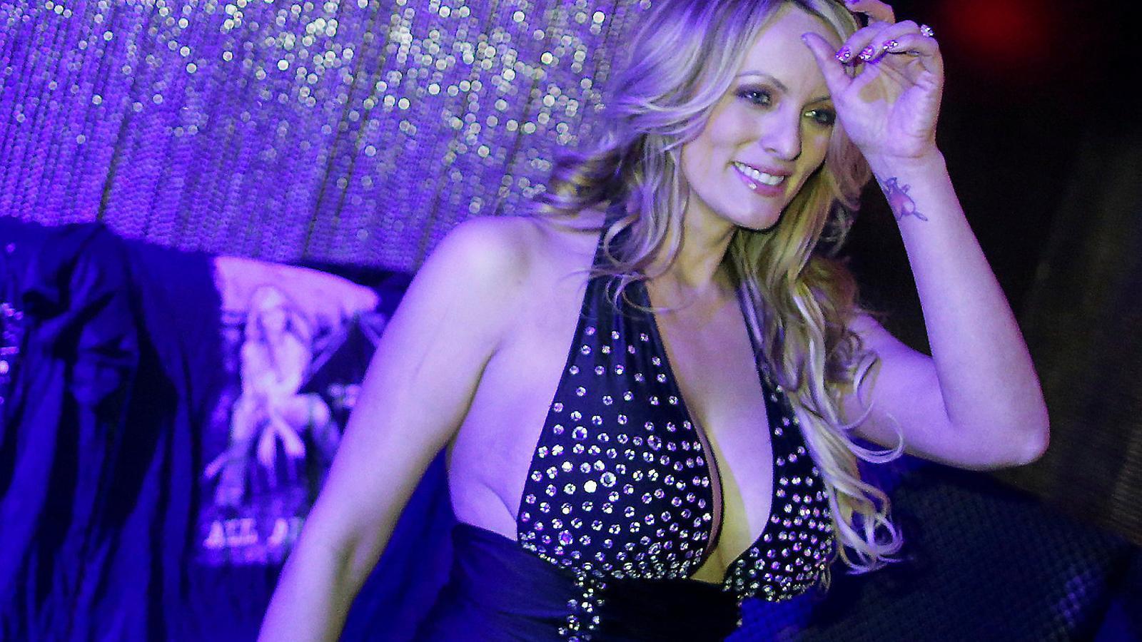 Trump reclama 20 milions a l'actriu amb qui va tenir sexe
