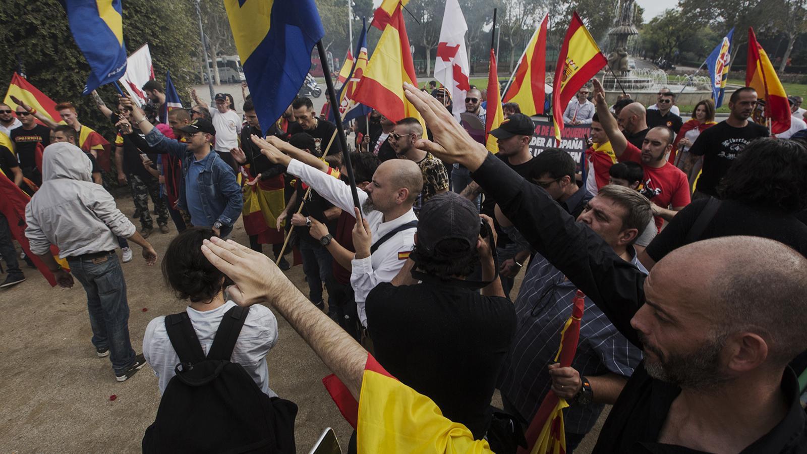 En Comú Podem proposa tipificar com a delicte l'exaltació del franquisme