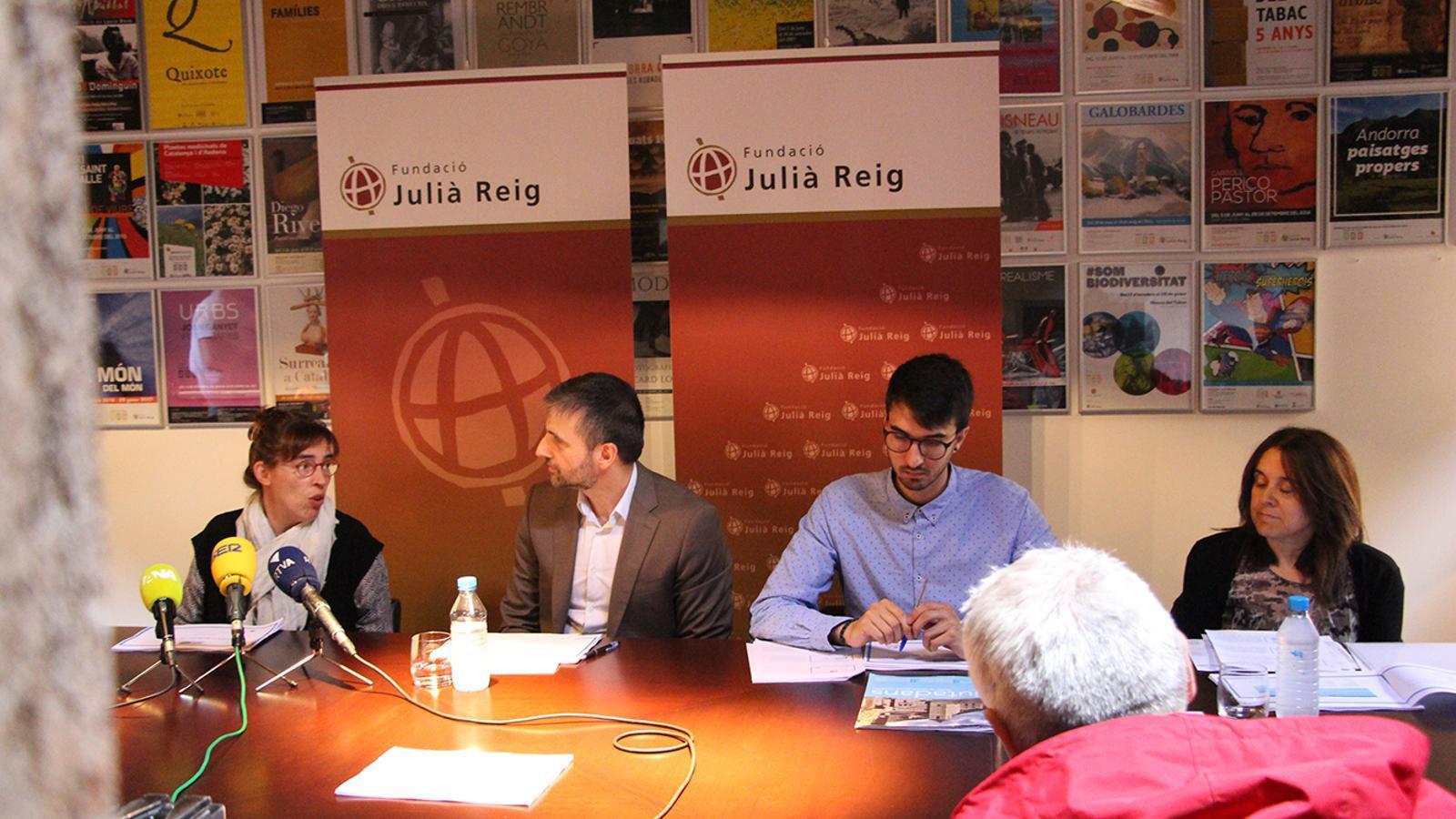 L'enquesta s'ha presentat al Museu del Tabac amb la presència de la presidenta de la Fundació Julià Reig, Deborah Ribas, i el director del CRES, Joan Micó. / M. M. (ANA)