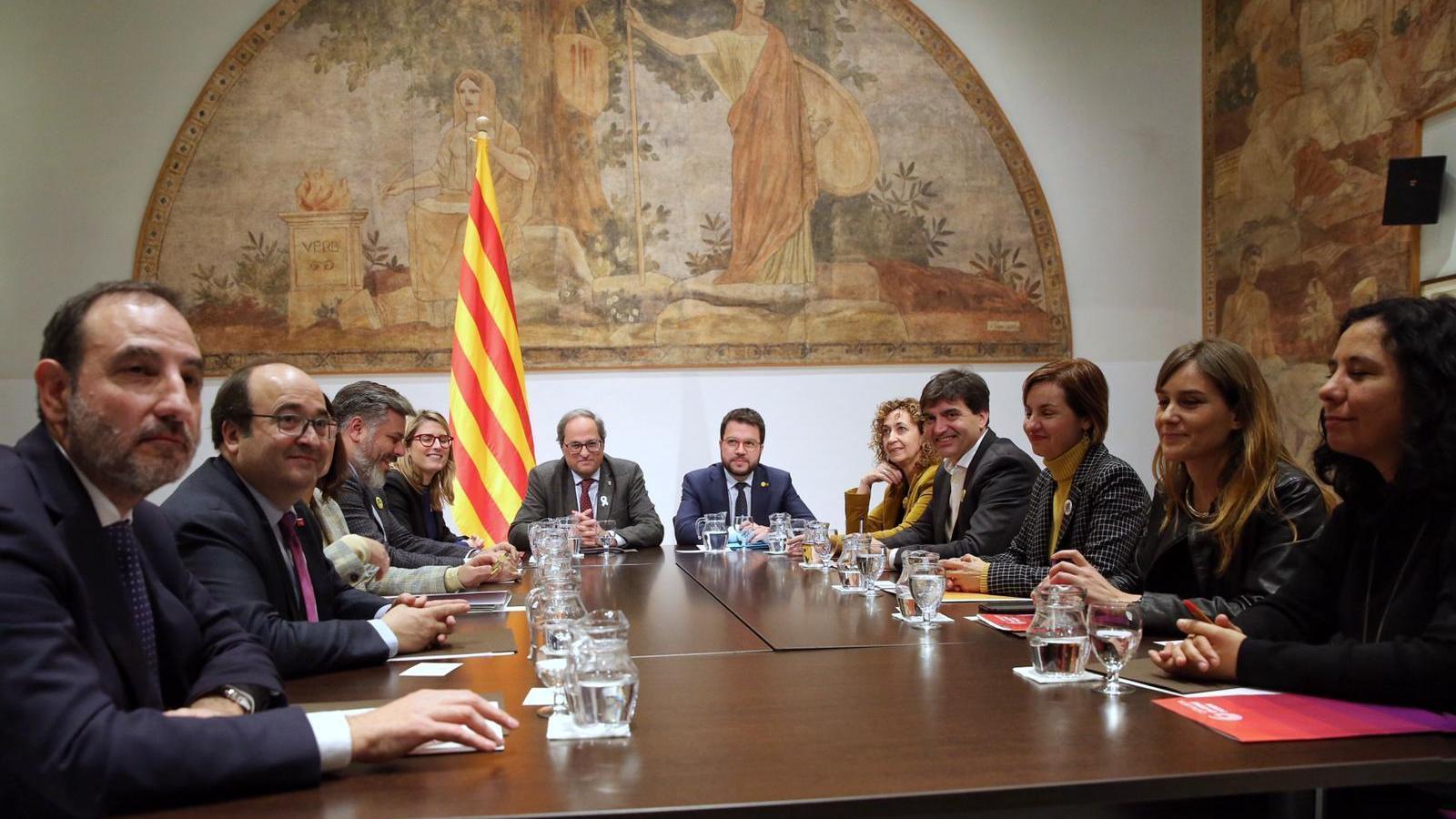 En marxa la segona taula de diàleg del Govern amb el PSC i els comuns