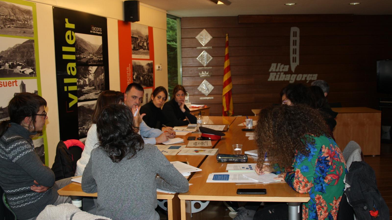 Imatge d'arxiu d'una sessió de la Taula de Salut. / CCAR