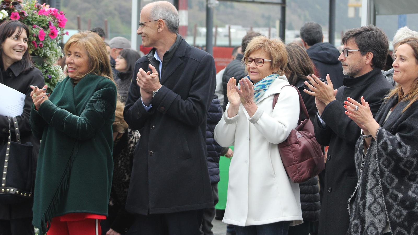 Conxita Marsol, cònsol major d'Andorra la Vella; Toni Martí, cap de Govern en funcions; Jordi Cinca, ministre de Finances en funcions, i la ministra de Cultura, Joventut i Esports en funcions, Olga Gelabert, durant el concert de la coral de la gent gran. / M. R. F.