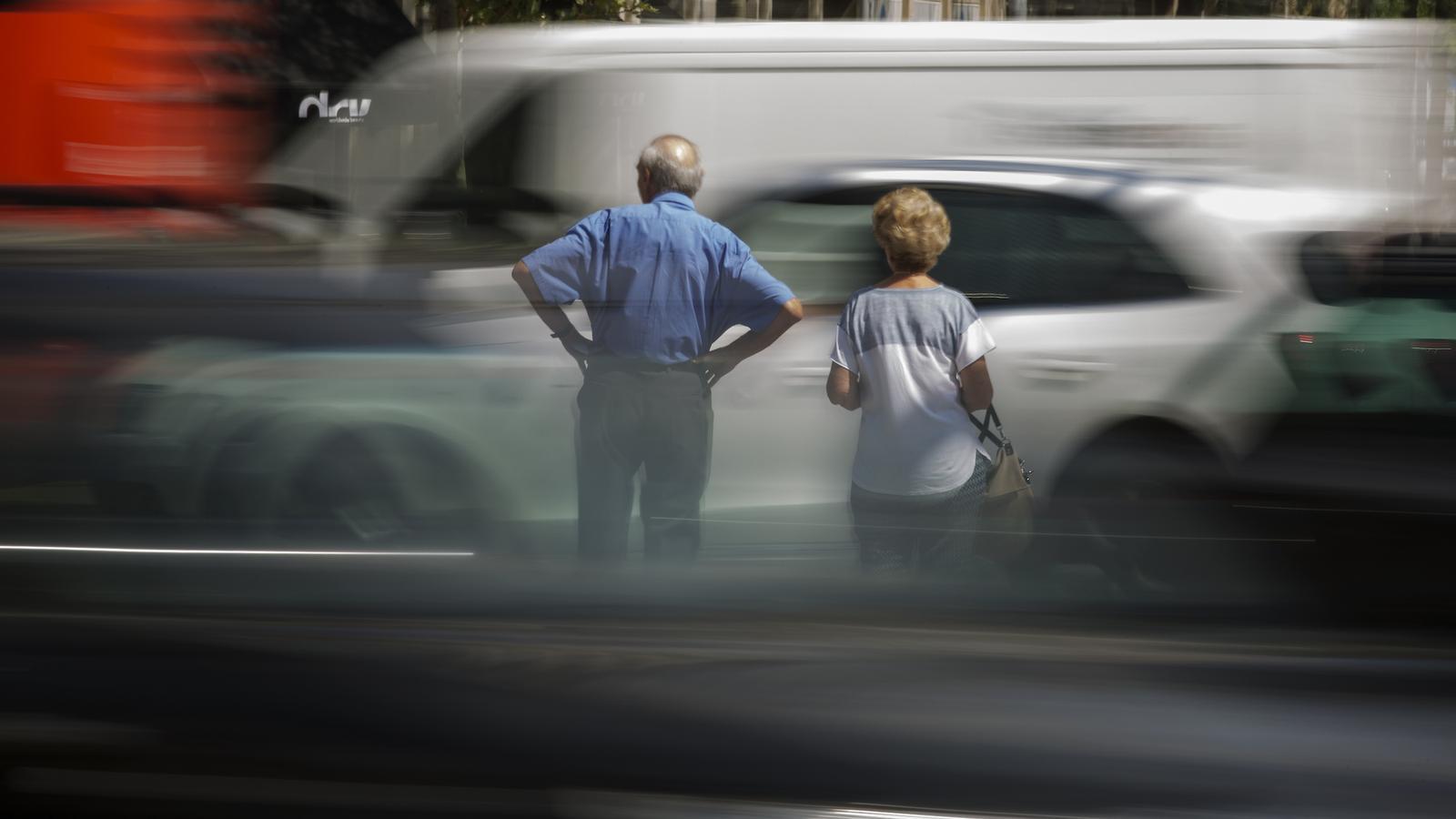 Als carrers de l'Eixample és on hi ha una concentració més alta de partícules i diòxid de nitrògen de Barcelona.