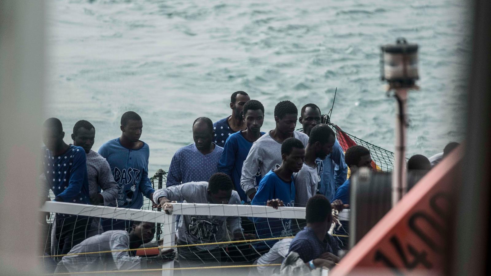 Refugiats rescatats per l''Open Arms' al Mediterrani