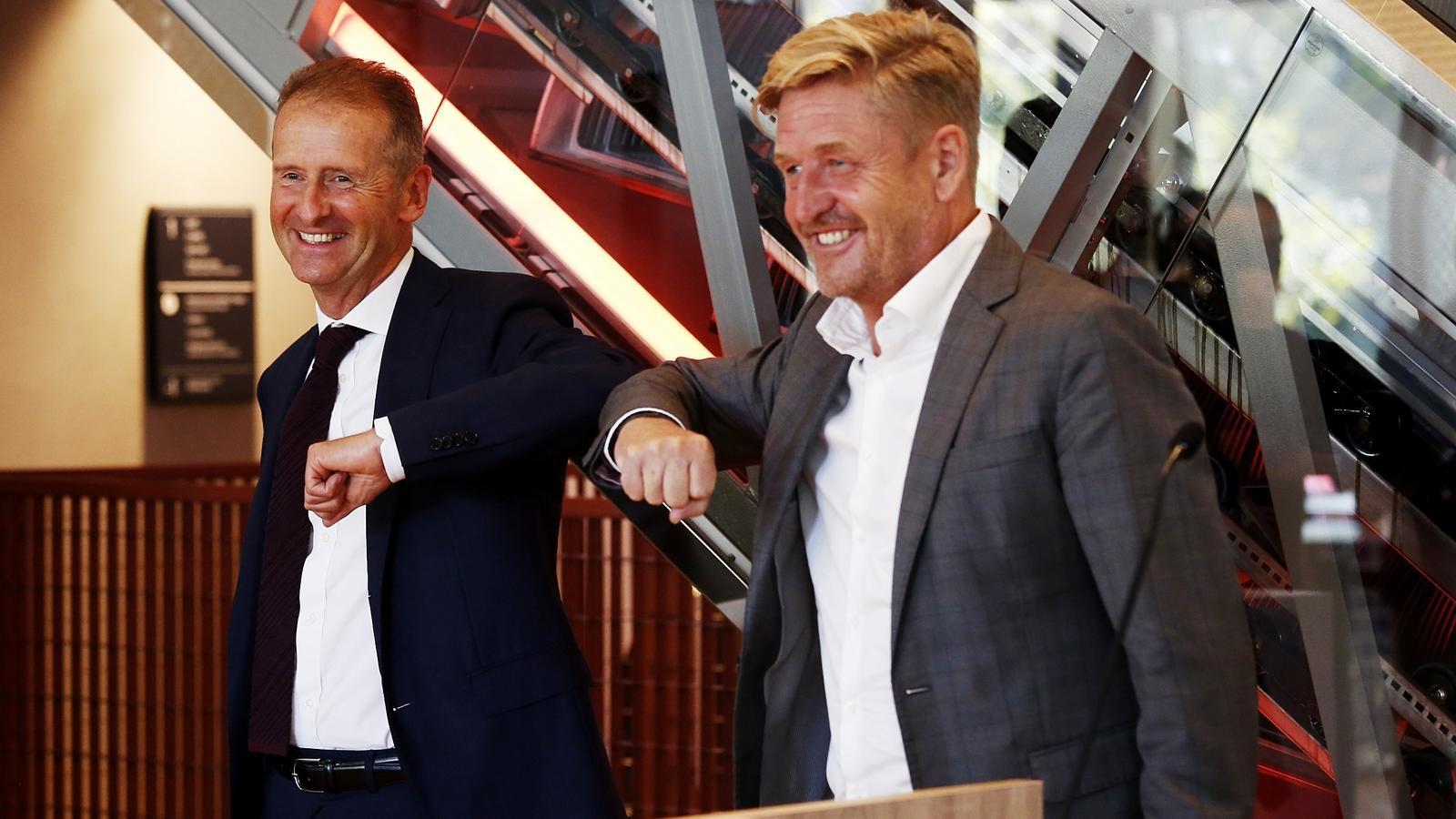 Herbert Diess, president de Volkswagen, i Wayne Griffiths, nou president de Seat, durant la presentació.