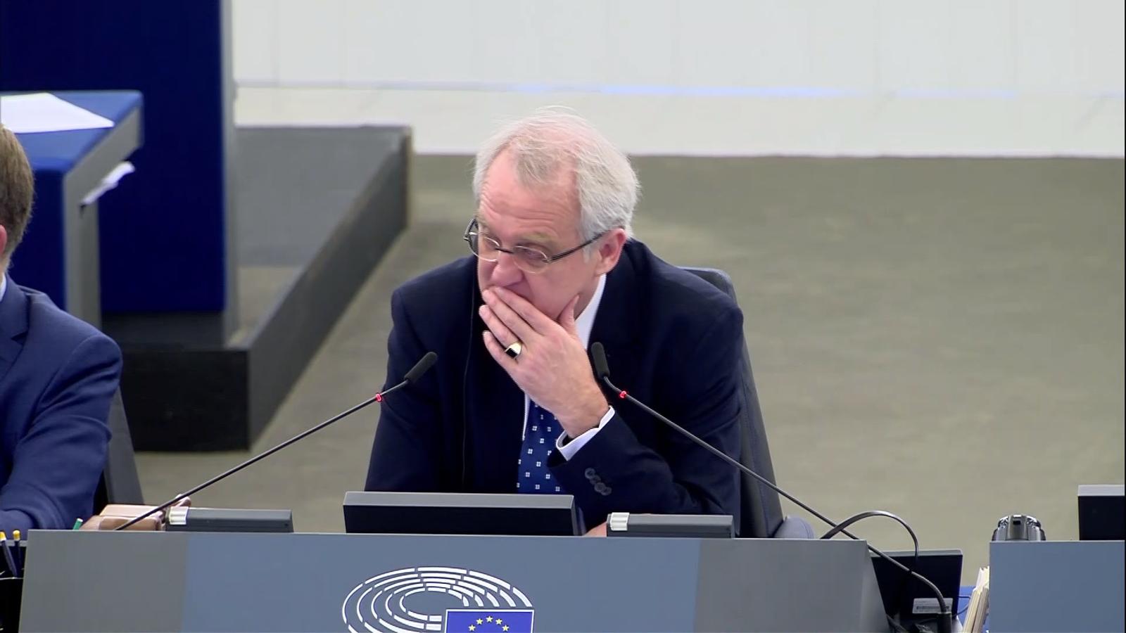 """L'eurodiputat irlandès Luke Ming Flanagan lamenta que la presidència d'Estònia hagi """"oblidat"""" Catalunya durant una intervenció al ple de l'Eurocambra a Estrasburg"""