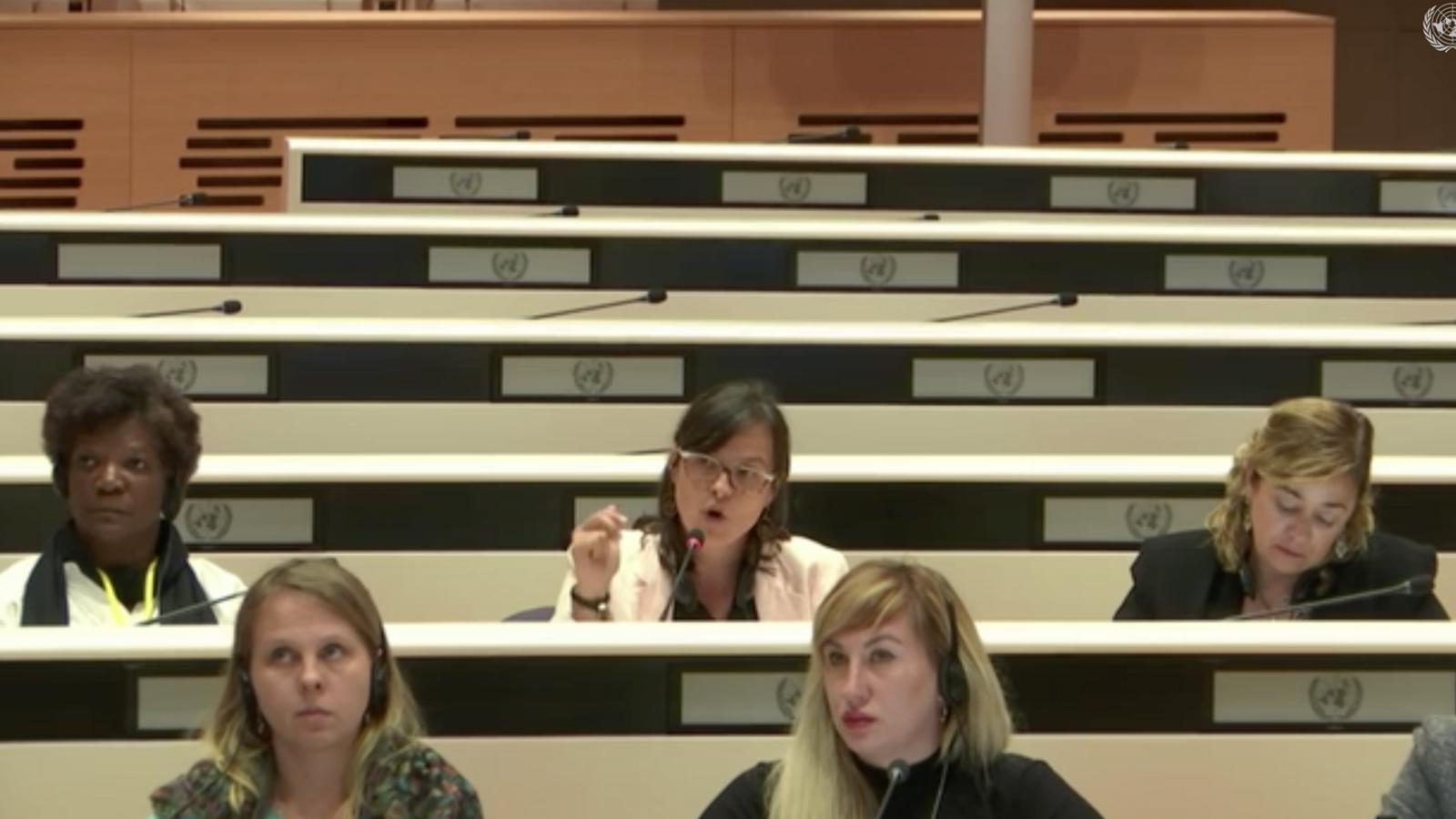 La presidenta d'Stop Violències, Vanessa M. Cortés, i l'advocada de l'Associació, Elisabet Zoppeti, durant la intervenció en la 74a sessió sobre l'eliminació de les discriminacions envers les dones. / ONU