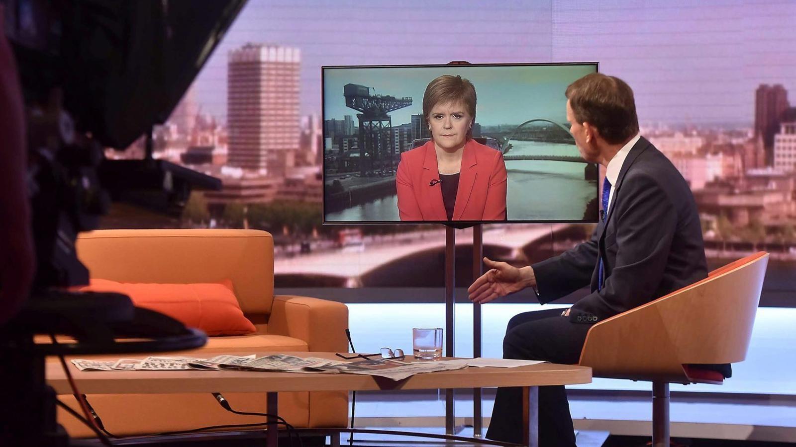 La primera ministra escocesa, entrevistada Ahir a la BBC.