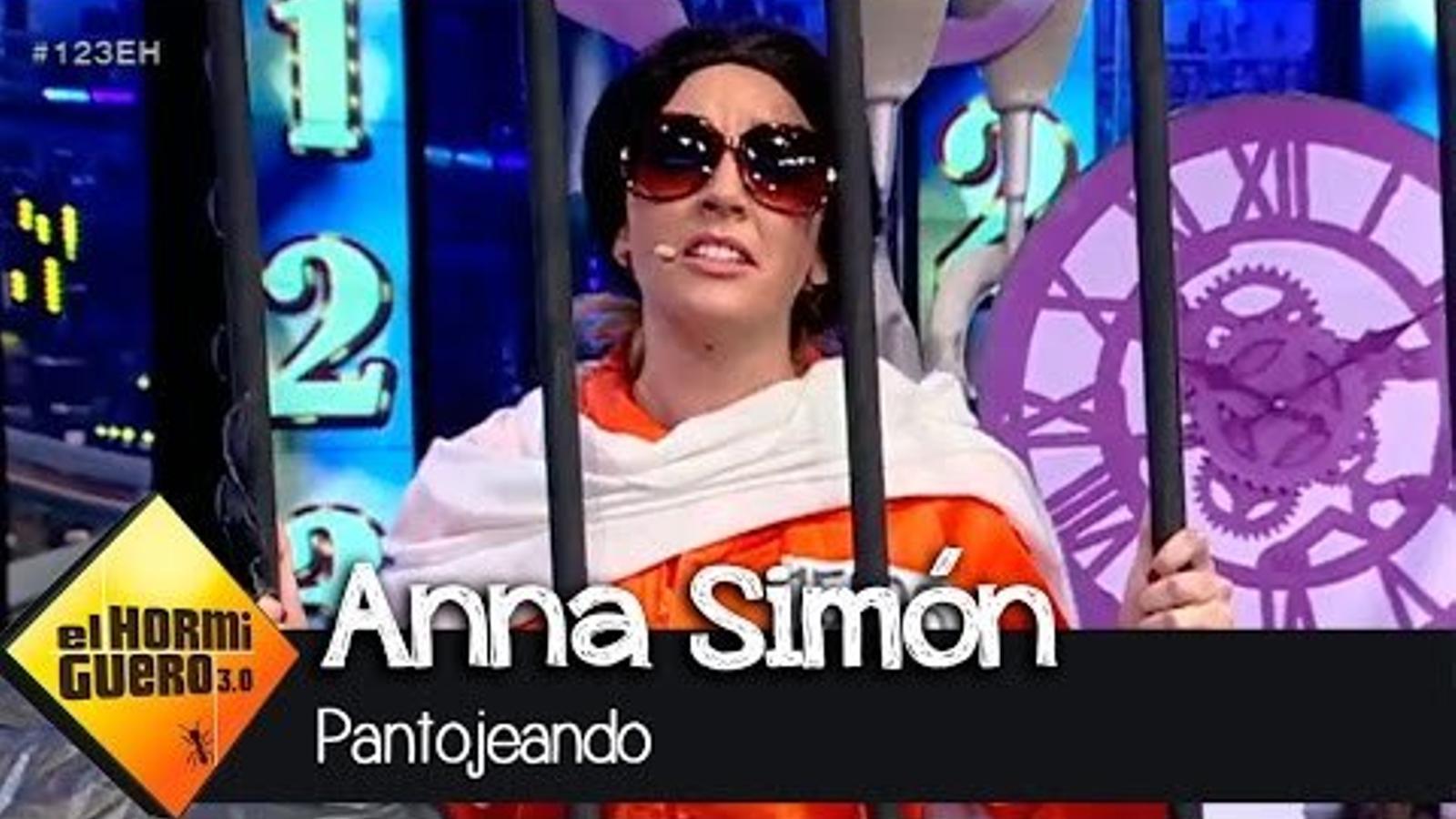 "Anna Simón homenatja el ""'dientes, dientes'"" de Pantoja"