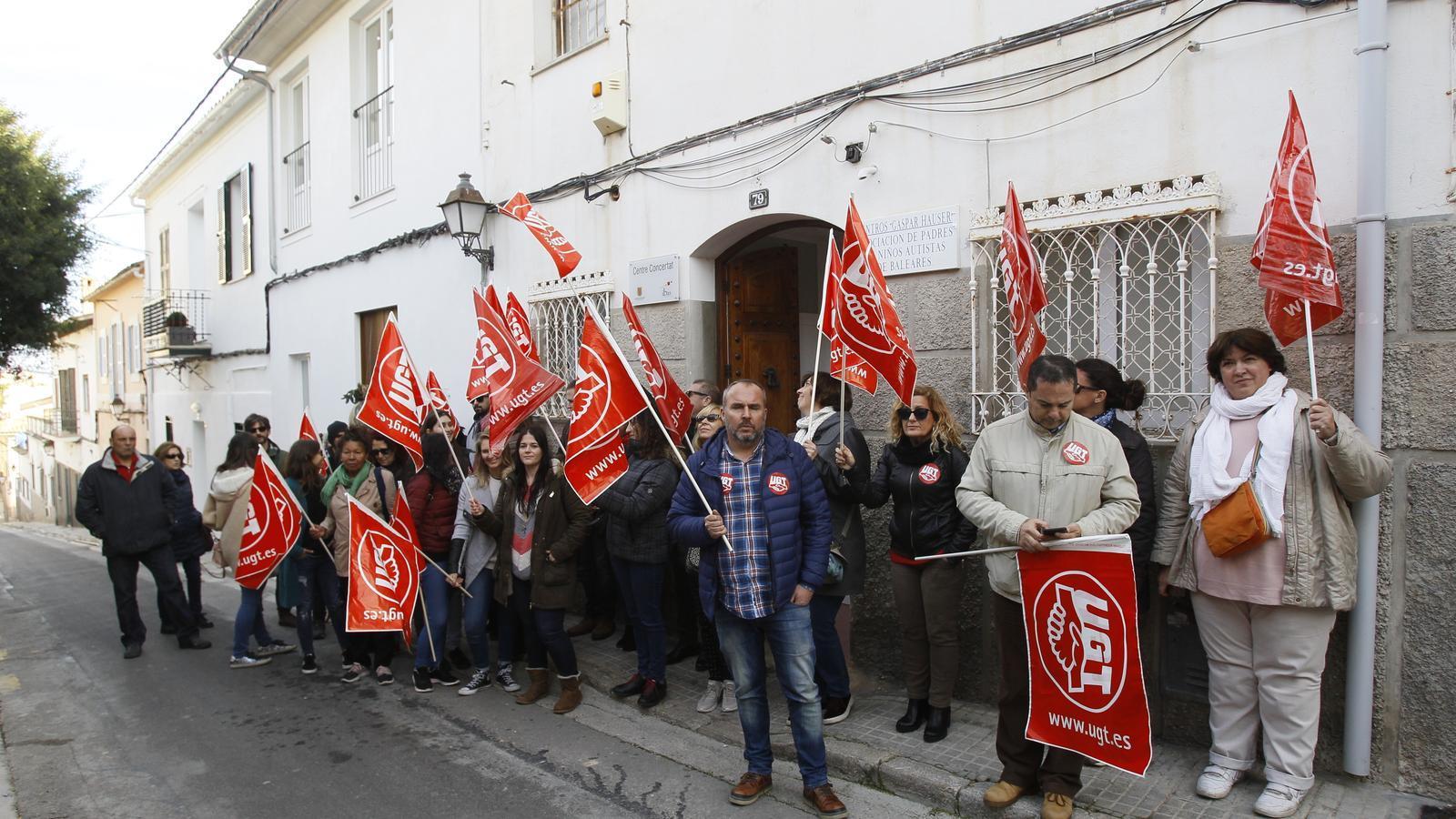 Una setmana de vaga dels treballadors de Gaspar Hauser. / ISAAC BUJ