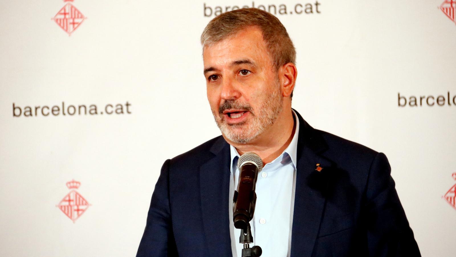 El primer tinent d'alcaldia de Barcelona, Jaume Collboni, durant la roda de premsa posterior a la reunió amb els principals actors econòmics de Barcelona, sindicats i patronals.