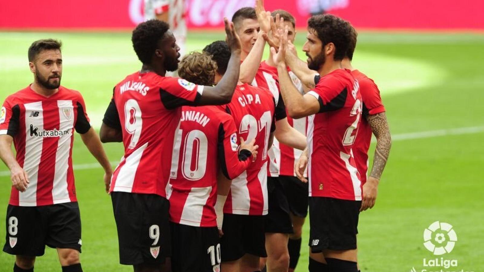 Els jugadors de l'Athletic Club celebren un dels gols anotats contra el Mallorca.