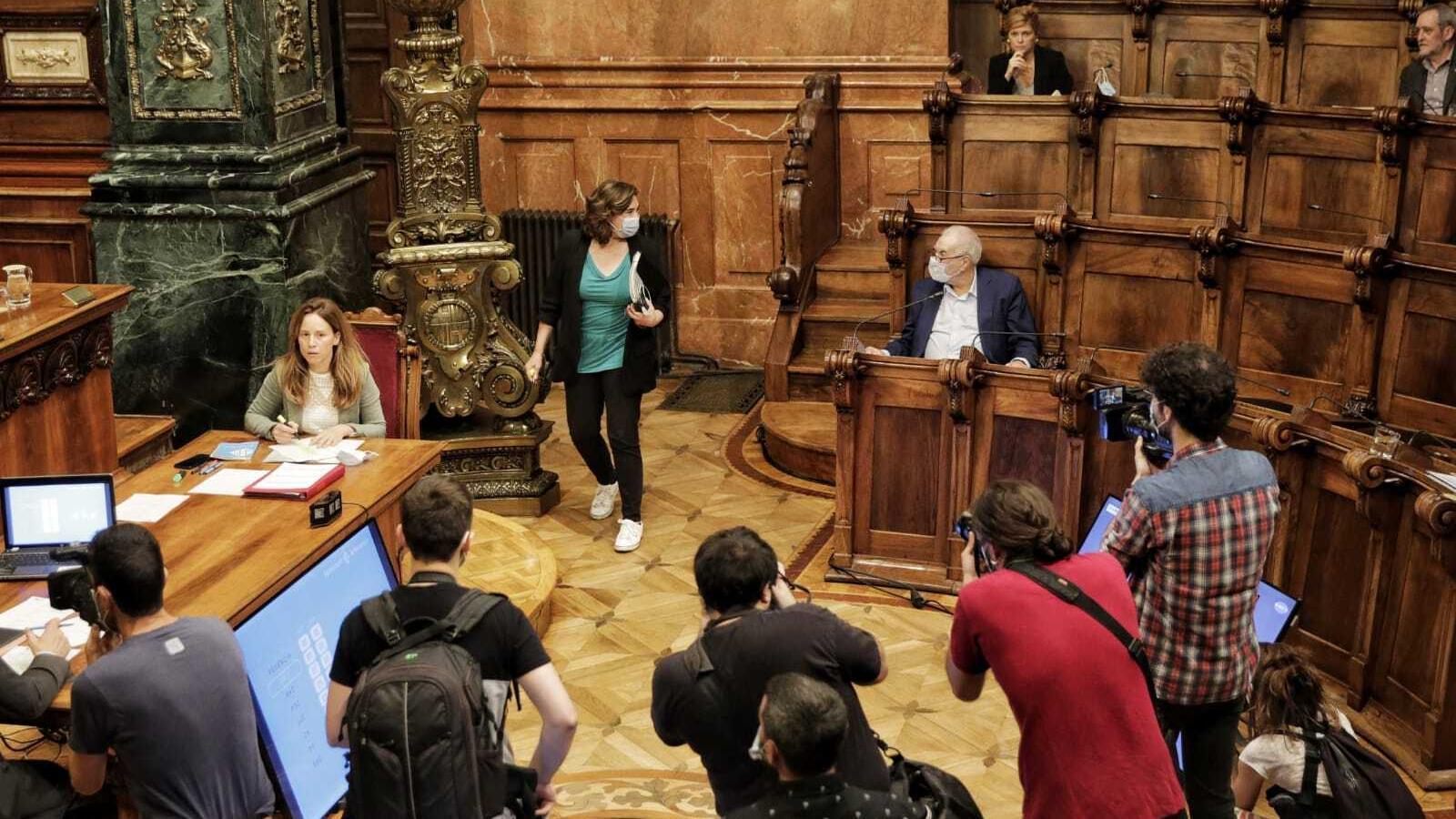 L'Ajuntament de Barcelona retreu a Valls el desallotjament de famílies gitanes a París el 2013