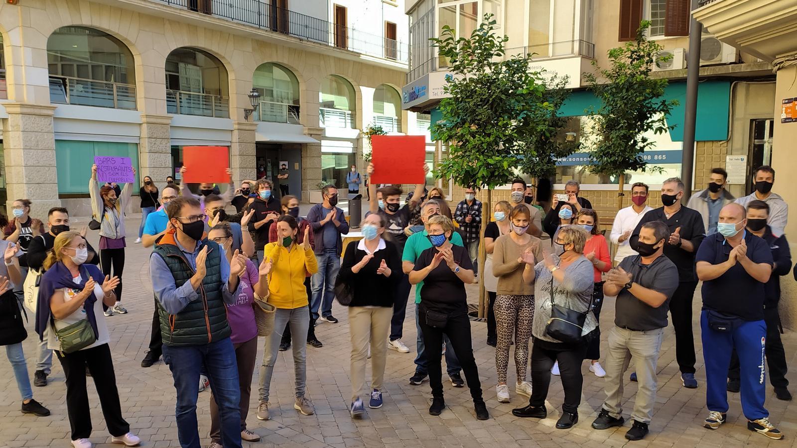 Miquel Oliver s'ha unit a la protesta dels restauradors./ T.R.