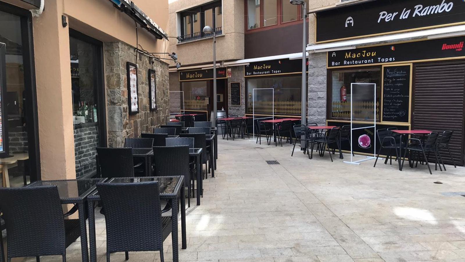 Terrasses de bars al centre de la capital. / ARA ANDORRA