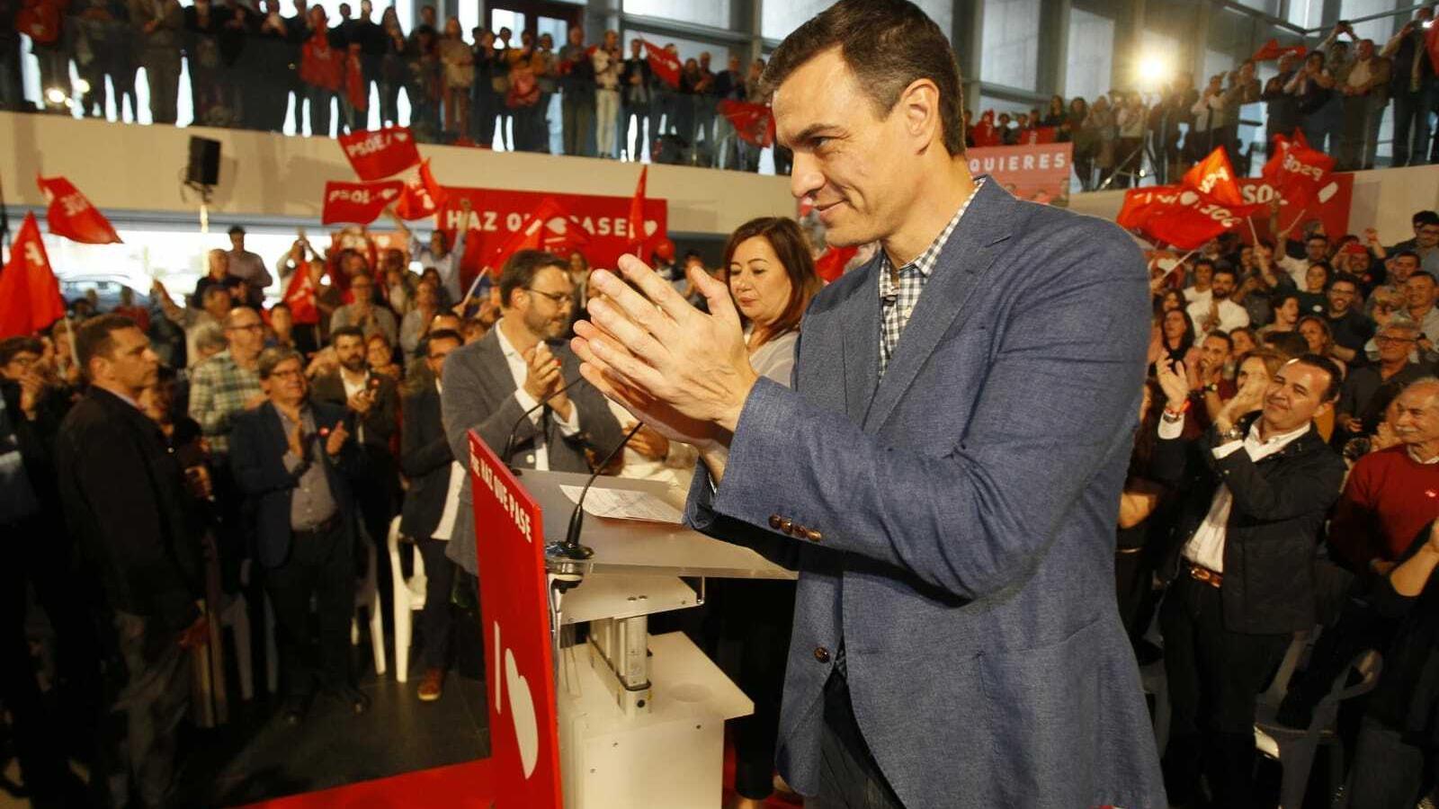 Pedro Sánchez en el míting del Palau de Congressos a Palma. / ISAAC BUJ