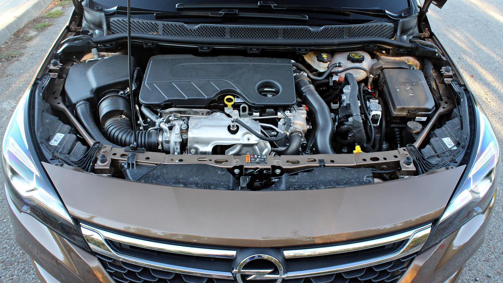 Alemanya ordena la revisió de 100.000 cotxes d'Opel per sospites de frau en les emissions