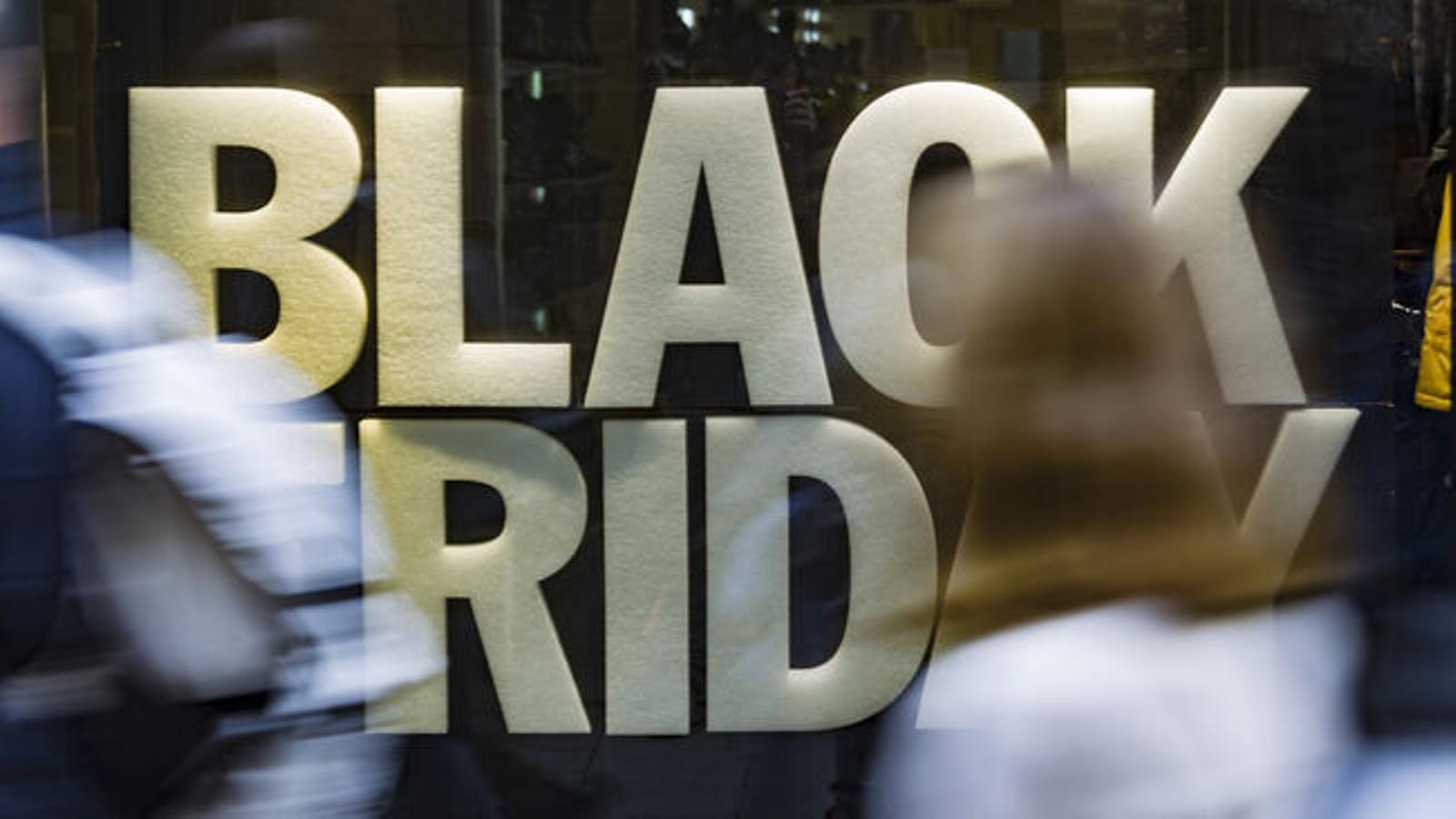 """Los expertos apuntan que el Black Friday puede ser """"el golpe de gracia"""" para el pequeño comercio"""