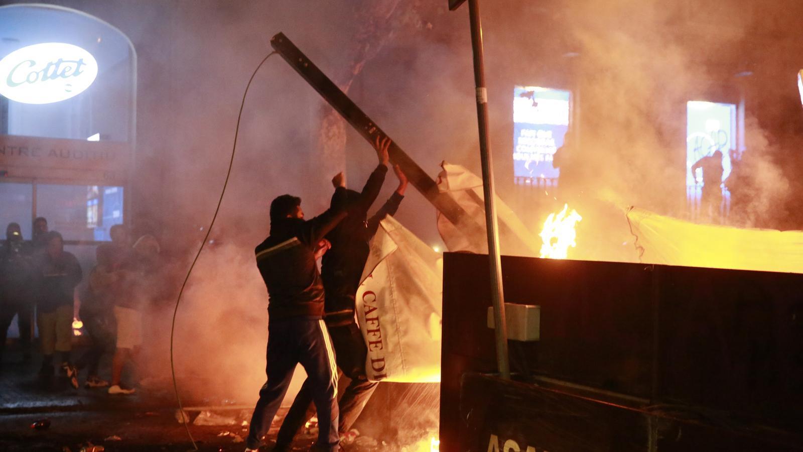 Almenys 184 detinguts en sis nits de disturbis a Catalunya
