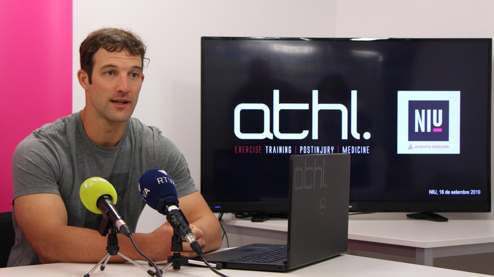 L'emprenedor Albert Piñol, durant la presentació de l'aplicació ATHL Exercise. / M. P. (ANA)