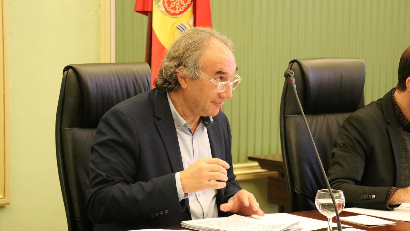 El conseller d'Educació, Universitat i Recerca, Martí March, durant la seva compareixença d'aquest dimarts