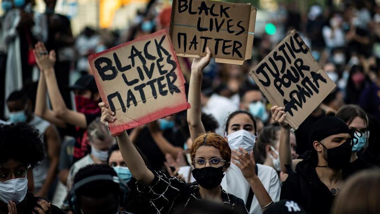 De París a Sydney: solidaritat global contra el racisme policial