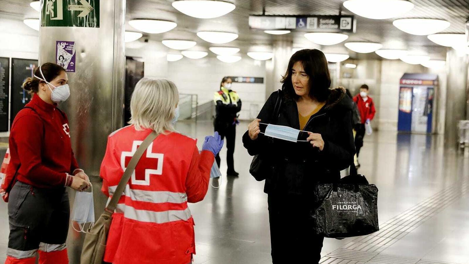 Poca afluència de gent al transport públic en la tornada a la feina