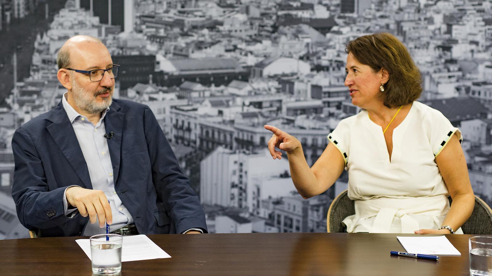 Entrevista d'Antoni Bassas a Elisenda Paluzie