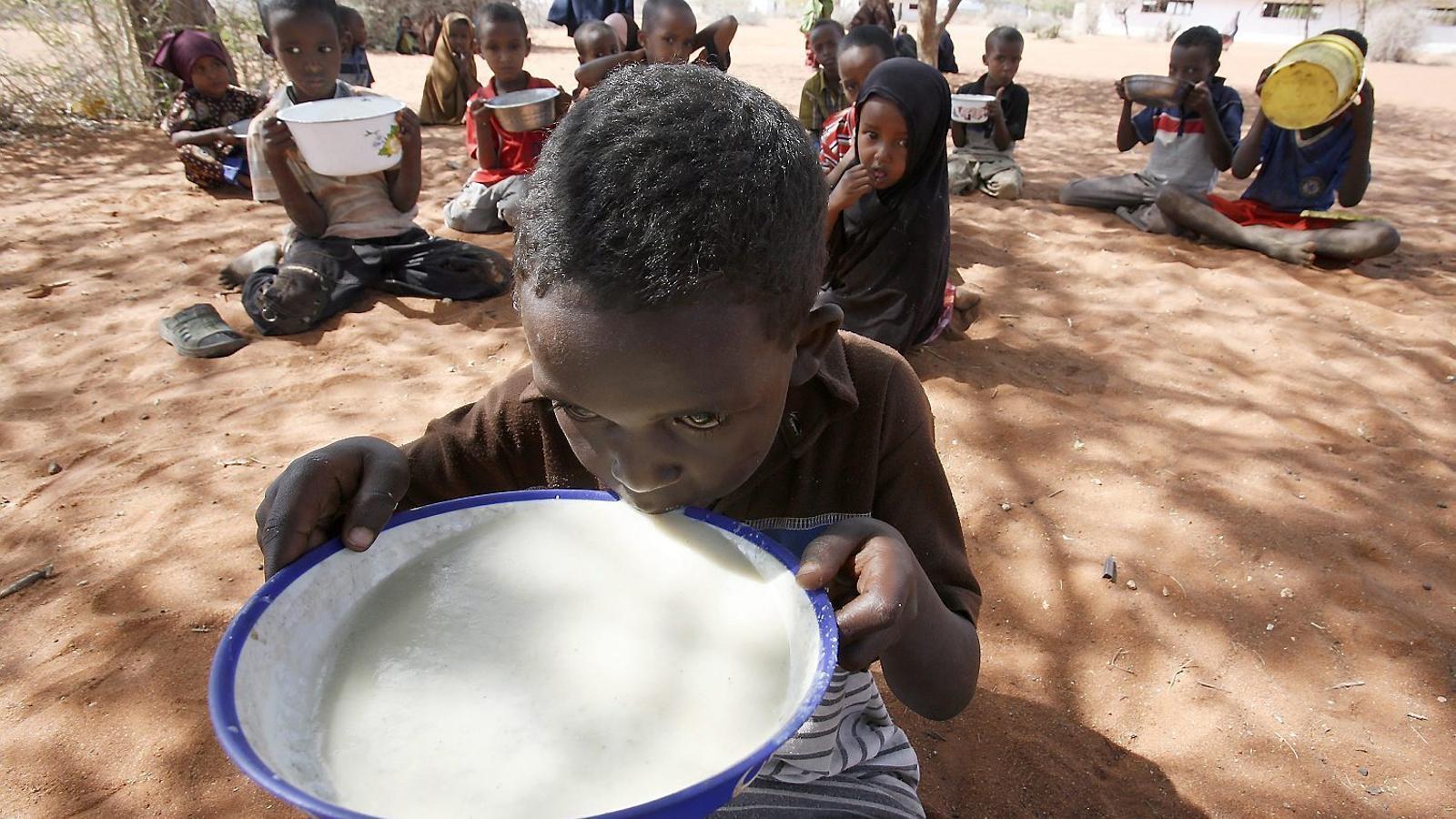 A l'Àfrica Sub-sahariana, dos de cada tres nens viuen en la pobresa, sense allò necessari per sobreviure.