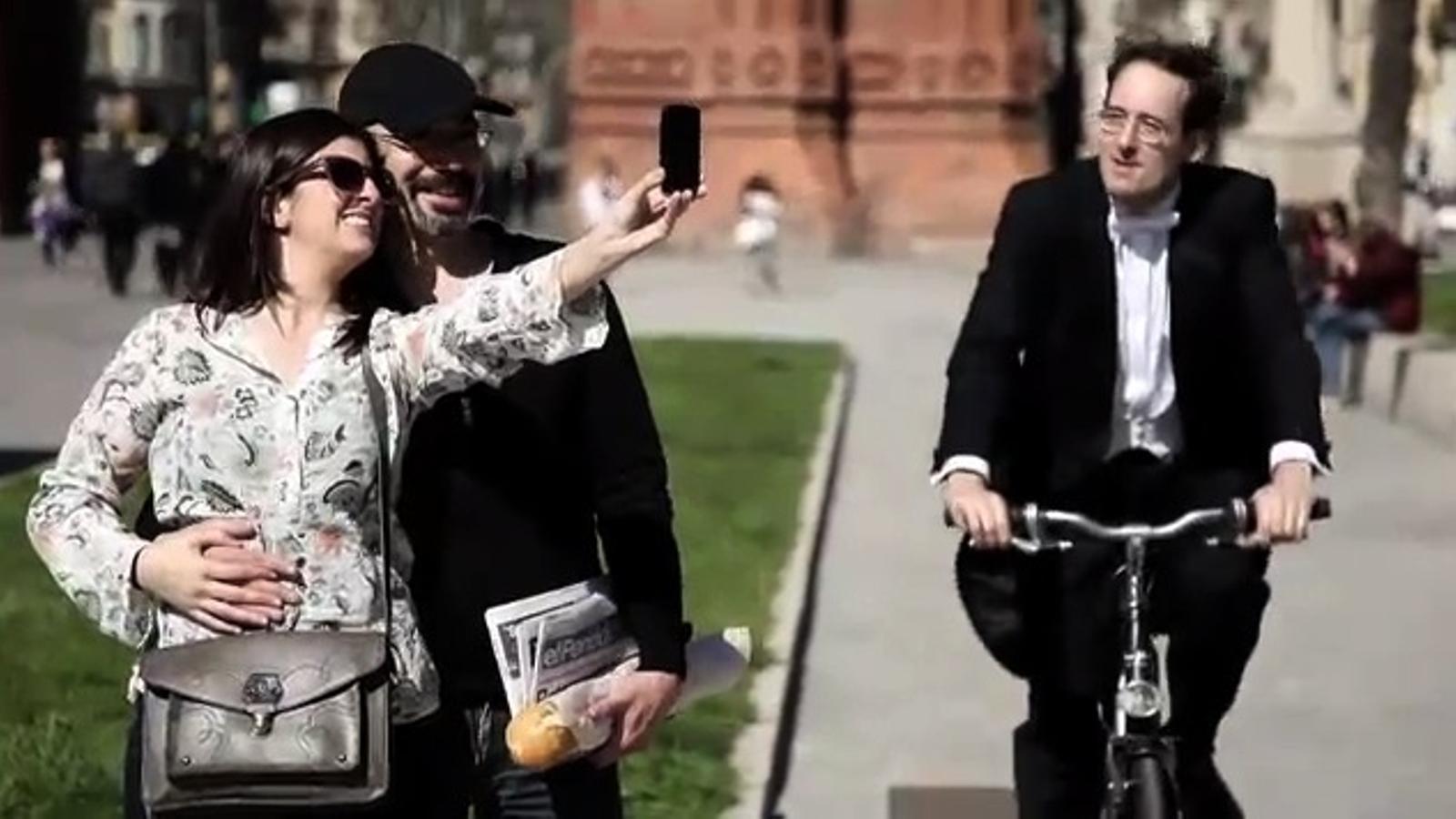 El director de l'OBC, Pablo González, protagonista del vídeo de la campanya d'entrades gratuïtes