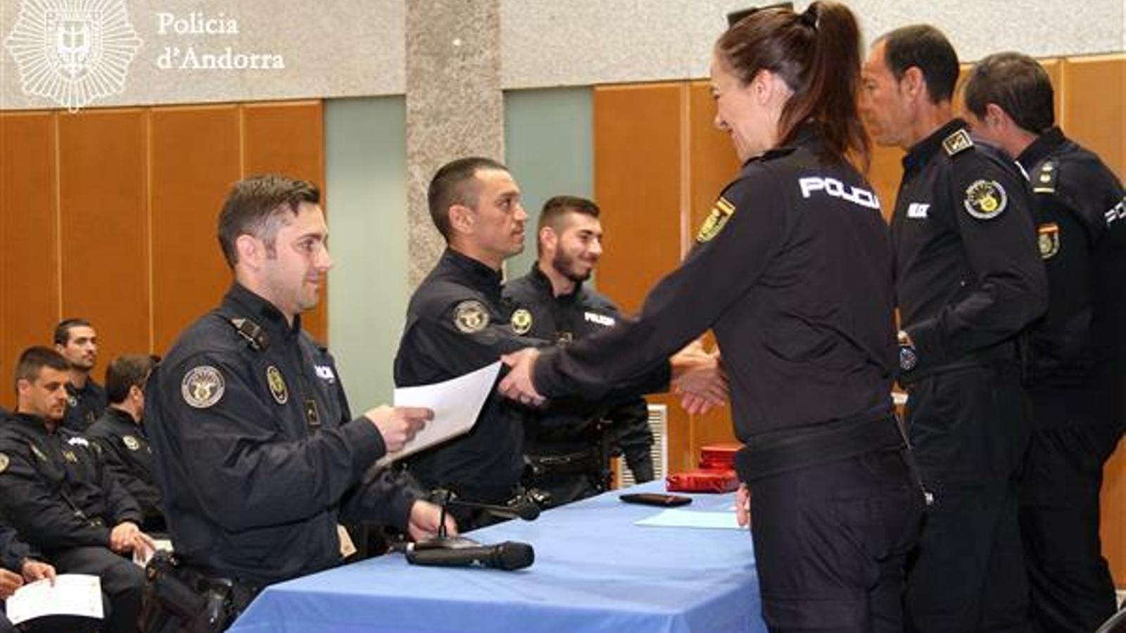 L'acte de lliurament dels diplomes. / POLICIA D'ANDORRA