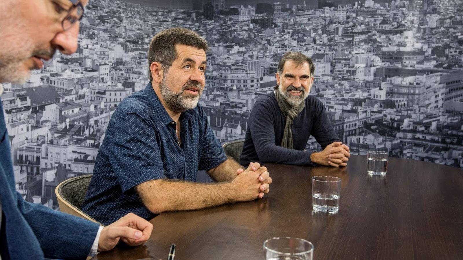 Antoni Bassas entrevista Jordi Sànchez i Jordi Cuixart (26-09-2017)