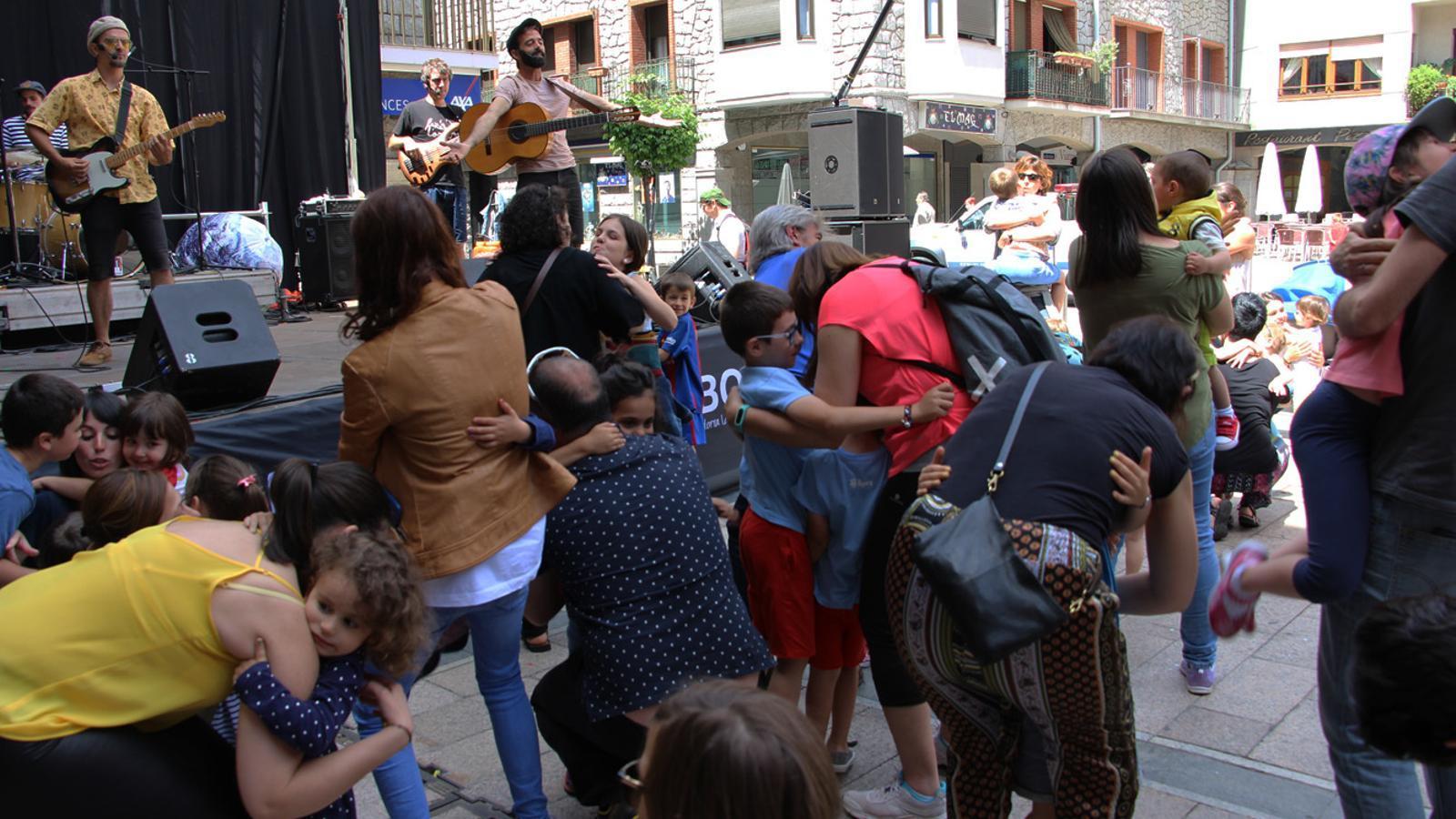 Un moment del Jambo Kids, que s'ha celebrat a la plaça Guillemó. / L. M. (ANA)