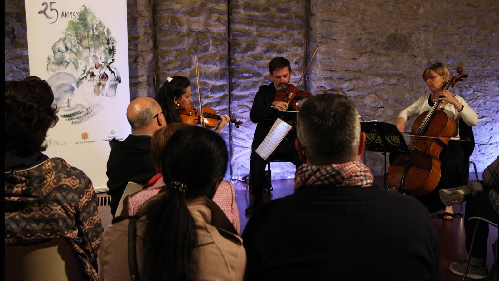 Un moment del concert del Trio Kodály a la Farga Rossell. / L. M. (ANA)
