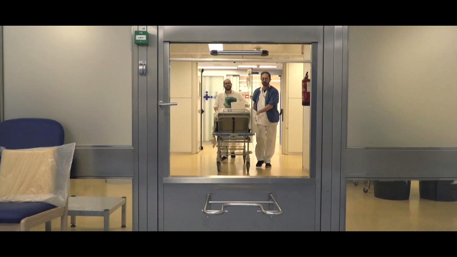 """Informació en temps real: """"11.15 hores, la cirurgia ha començat"""""""