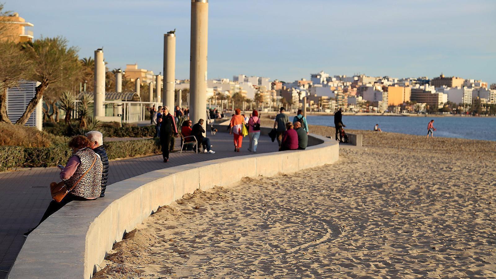 Turisme de sol, platja i coronavirus