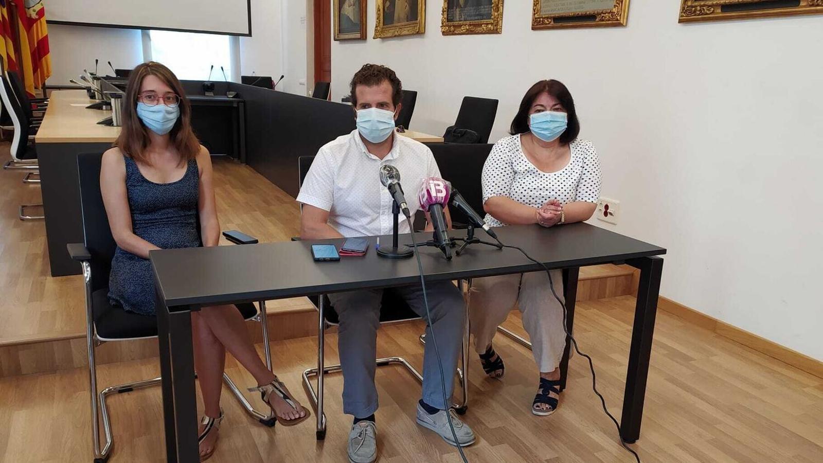 Els regidors de Bloc per Felanitx, Maria Mesquida, MIquel Lluís Mestre i Isabel Montero./ T.R
