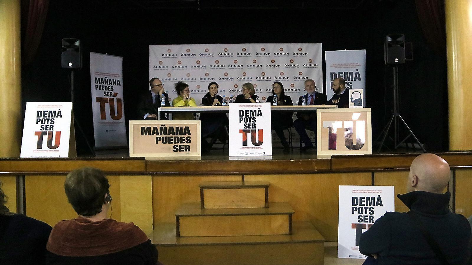 Taula de debat organitzada ahir per No Callarem a la Model.