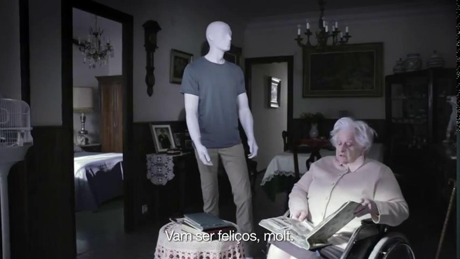 El PSC simula en un video electoral la mort d'un pacient en un hospital per les retallades