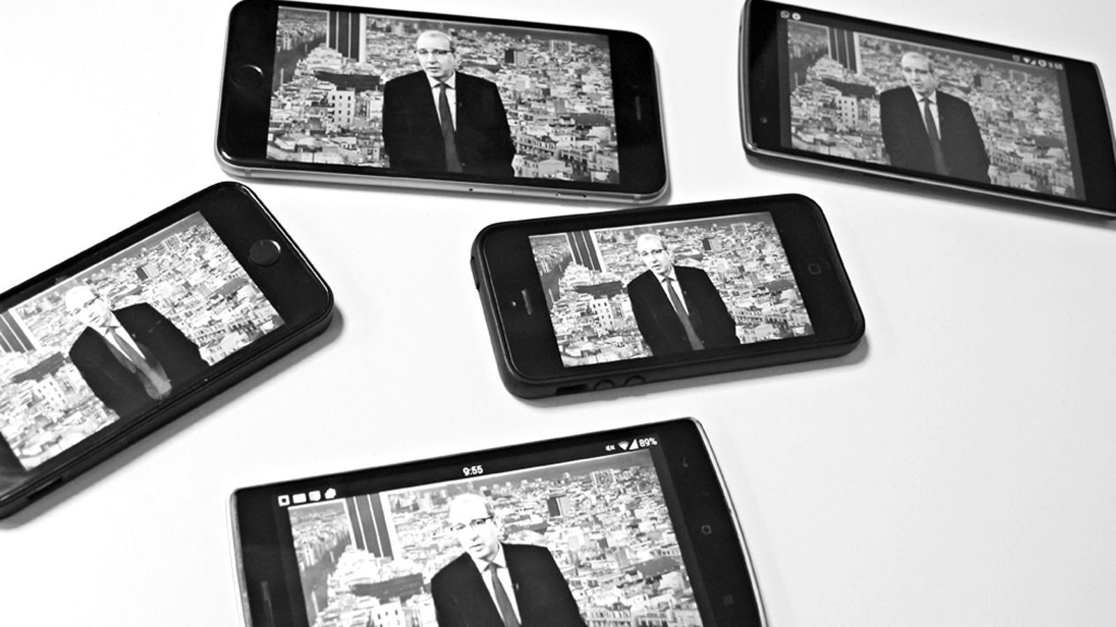 L'Editorial d'Antoni Bassas: 'Mobile: El metro ple de corbates, acreditacions i accents' (02/03/15)