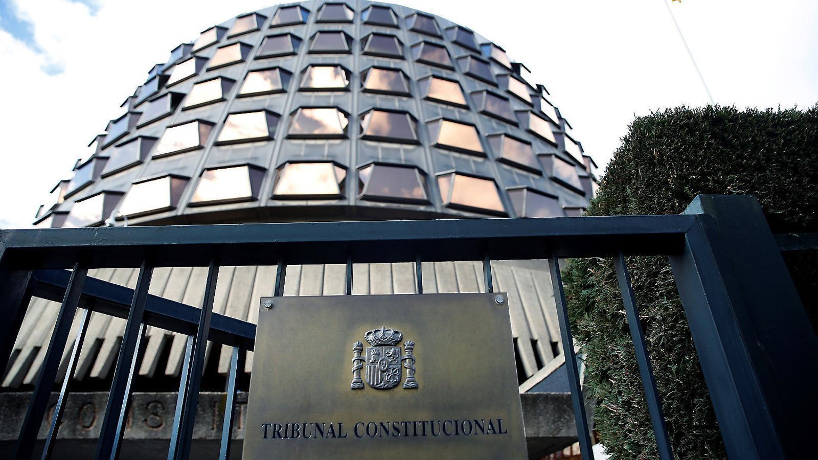 Imatge de l'exterior de l'edifici del Tribunal  Constitucional a Madrid.