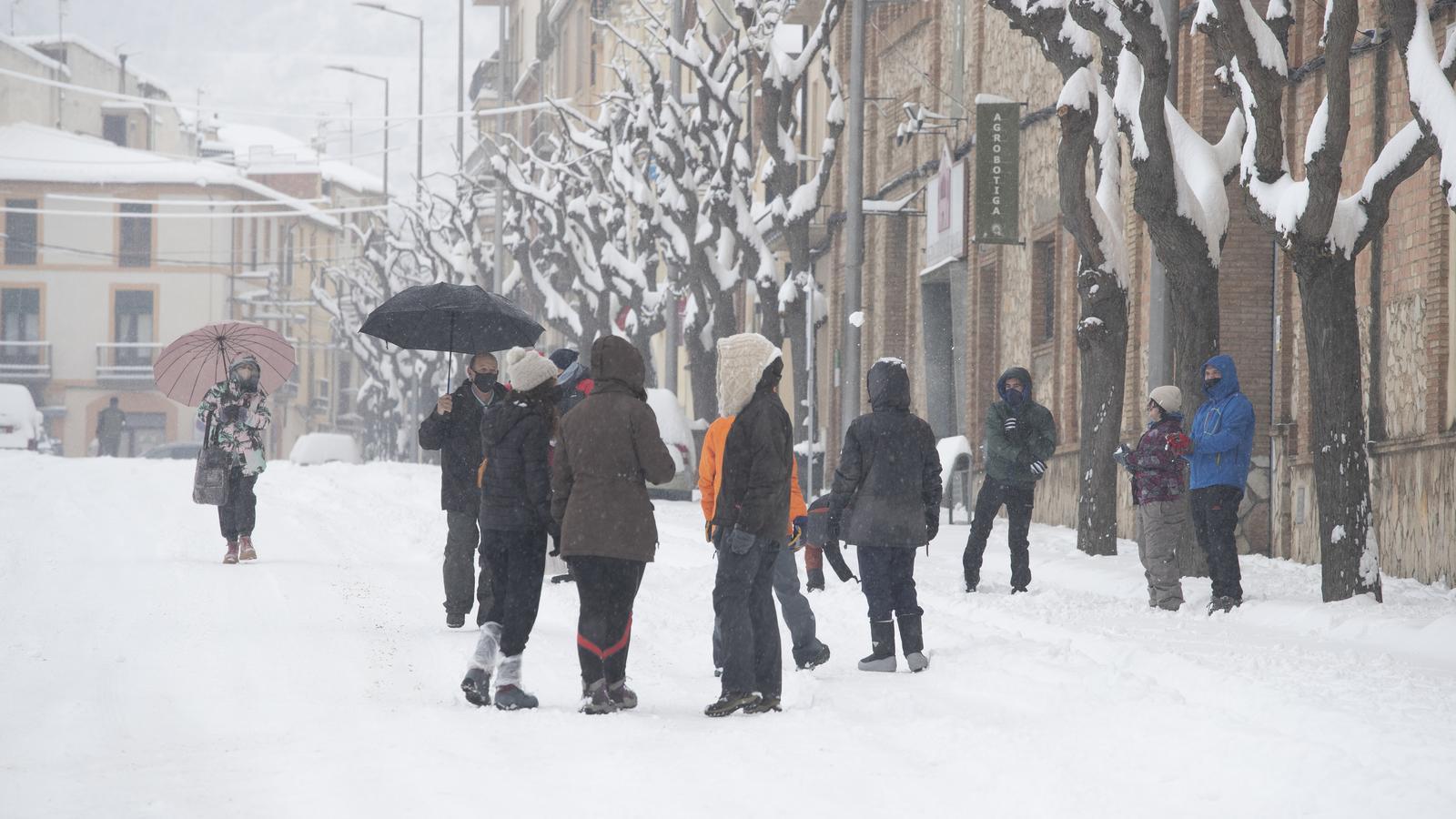 Veïns de Falset, un dels municipis més afectats pels talls de llum