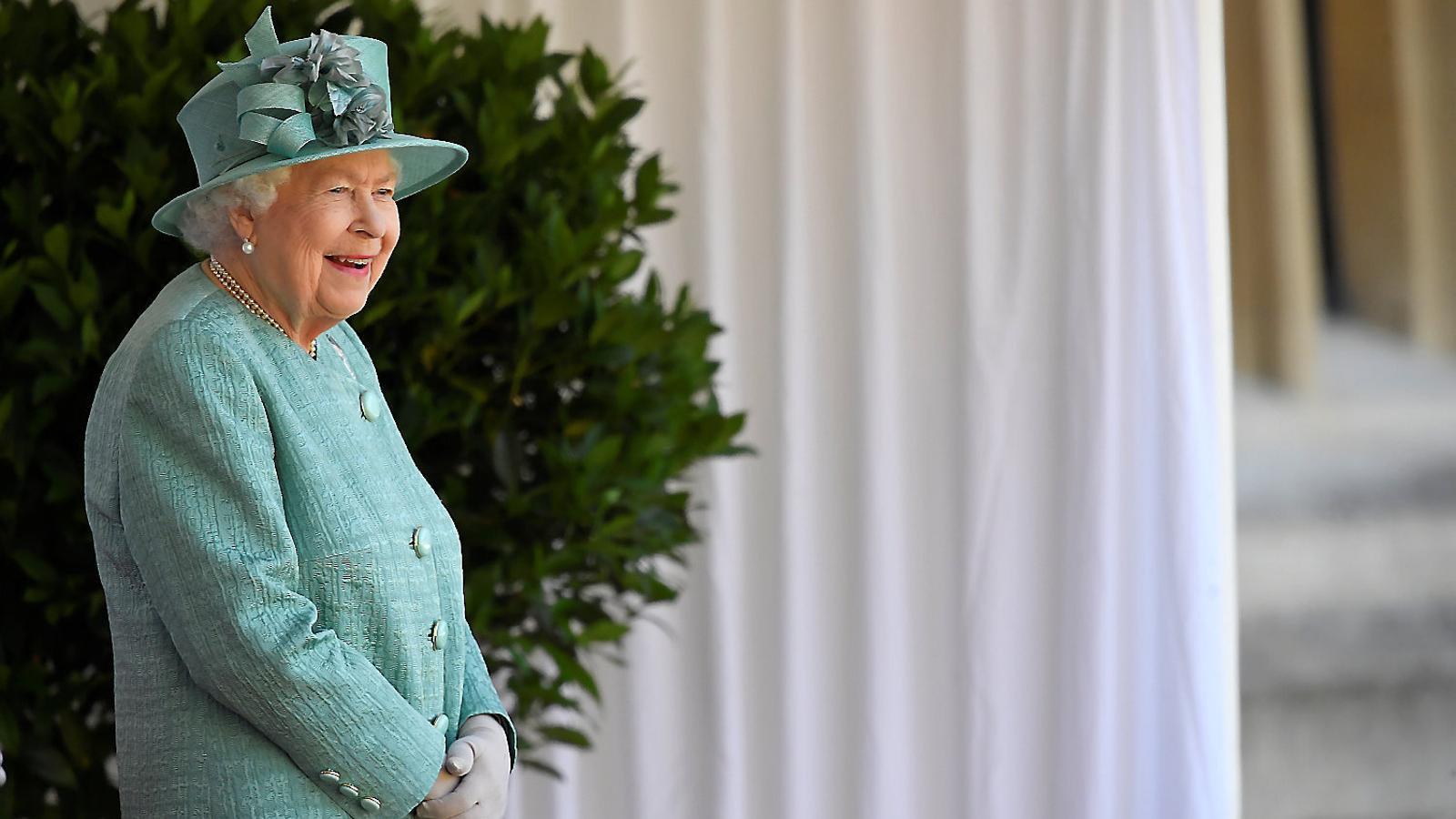 Elisabet II cedeix uns jardins per a un autocine