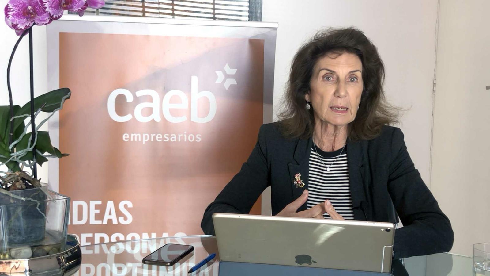 La presidenta de la CAEB, Carmen Planas, durant la roda de premsa.